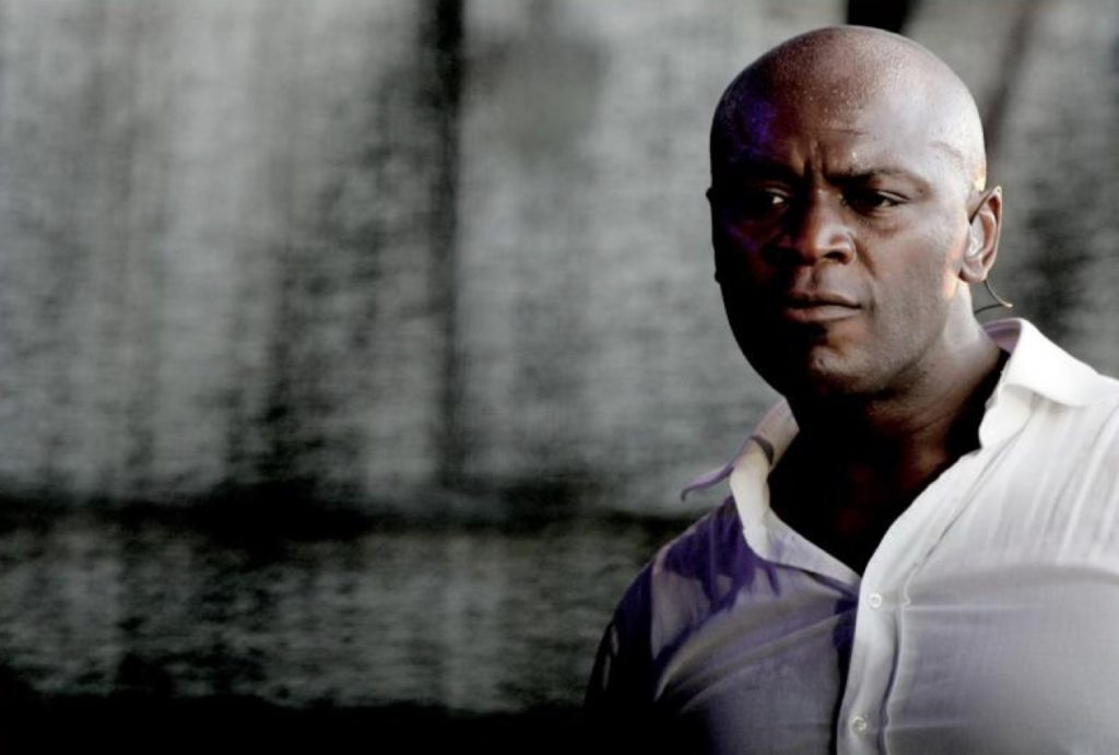 Ola Onabule - Soul Town