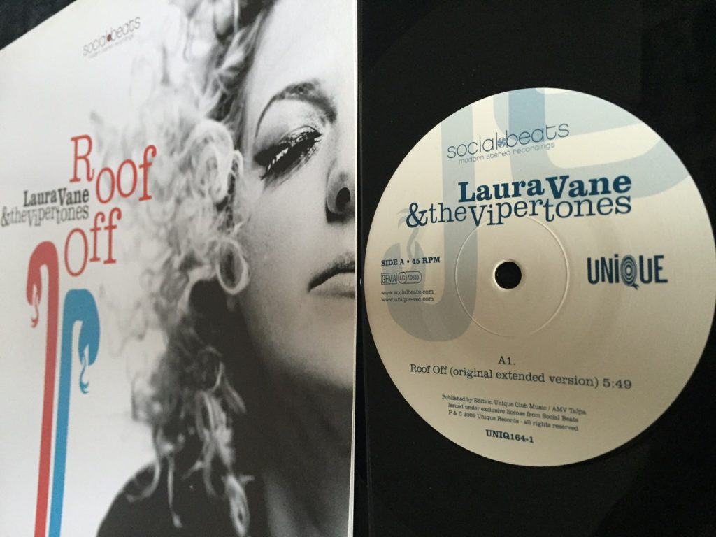 Laura Vane and the Vipertones - Roof Off