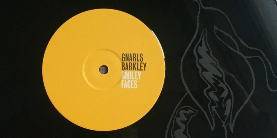 gnarls-barkley-smiling-faces-41-rooms-show-19