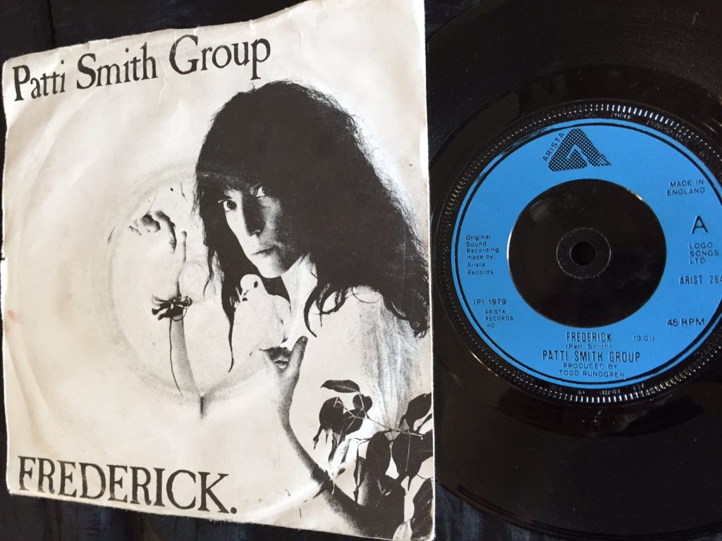 patti-smith-frederick-41-rooms-show-22