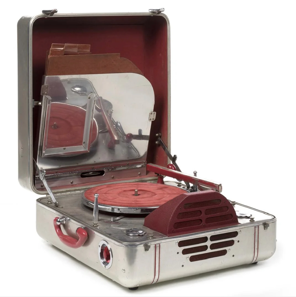 Turntable 71 - 41 Rooms - show 71 - Late 30's John Vassos design for RCA