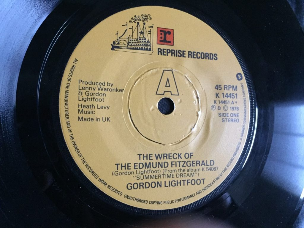 Gordon Lightfoot - The Wreck Of The Edmund Fitzgerald - 41 Rooms - Show 74