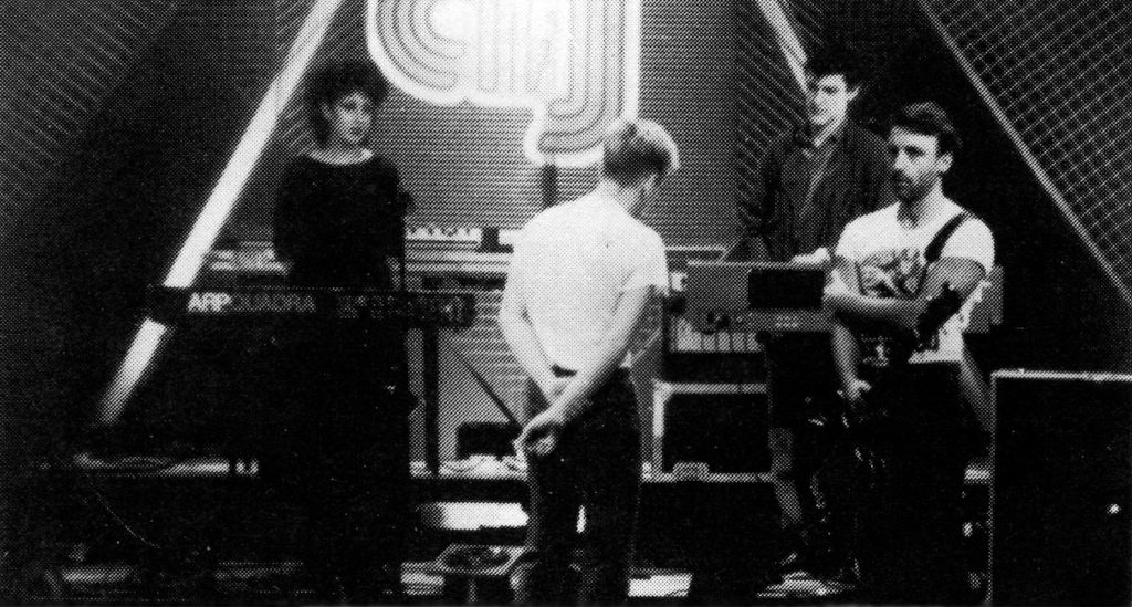 New Order - TV South (2) - 41 Rooms - show 79
