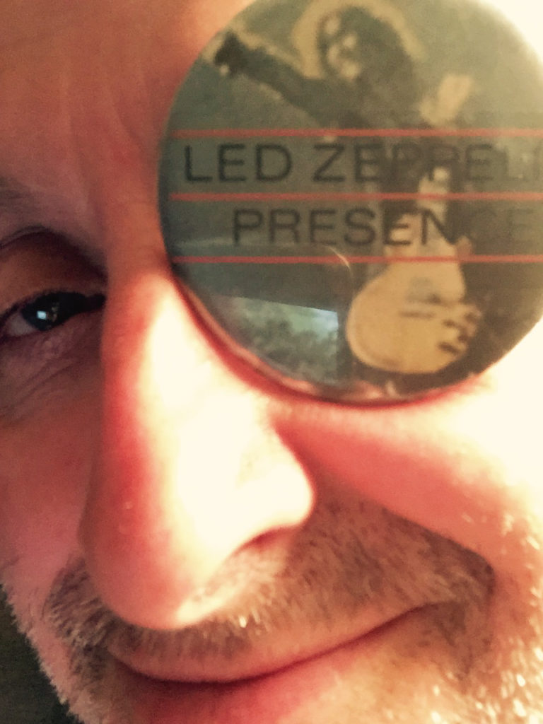 Led Zeppelin badge - 41 Rooms - show 92
