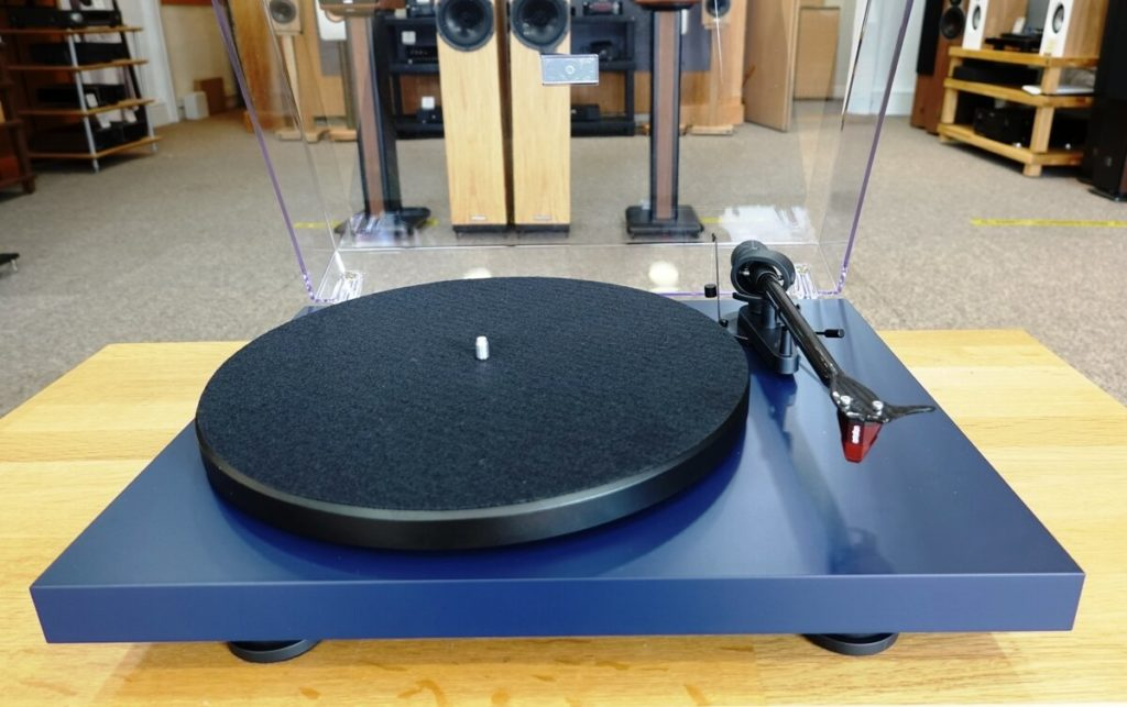 41 Rooms - show 93 - Pro-Ject Debut Carbon Evo turntable
